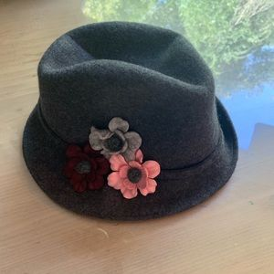 Women's Fedora with Pink Flowers - like new!